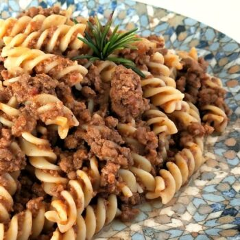 Fusilli con ragù di carne ricetta italiana primi piatti