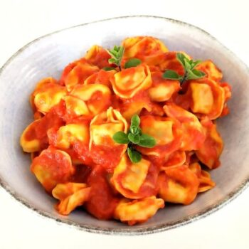 Tortellini al pomodoro ricetta italiana